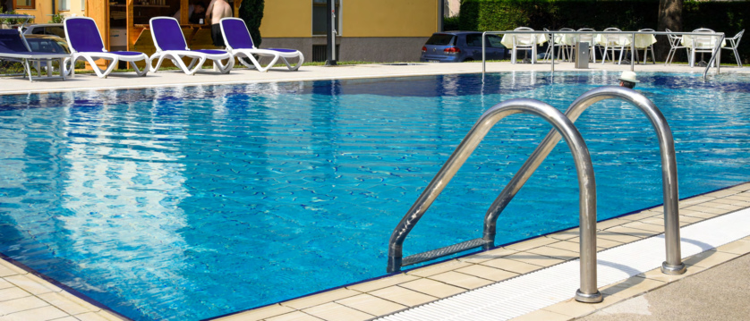 Hotel Gardesana, Riva, Lake Garda, Italy - outdoor pool.jpg